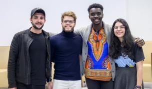 Els joves inspiradors Mago Numis, Jan Almuni, Darcel Yoya i Cristina Cons.